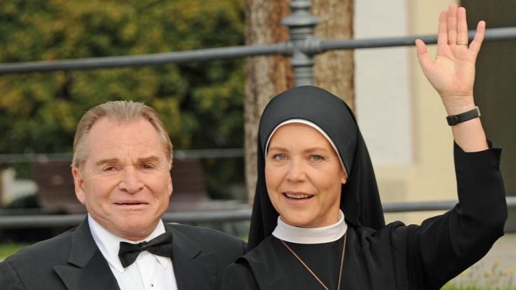 """Der Mann hinter dem Erfolg der Serie """"Um Himmels Willen"""" mit Fritz Wepper und Janina Hartwig heißt Michael Baier und ist Drehbuchautor. (Foto)"""