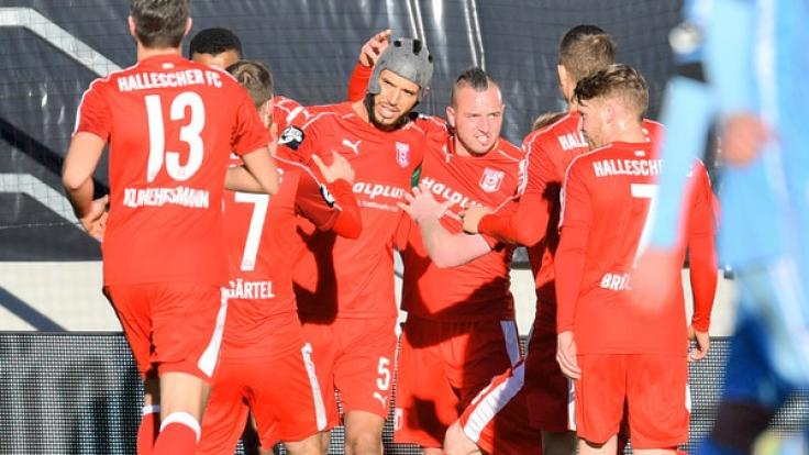 Halle muss am Sonntag gegen Lotte auf den Platz. Die haben gerade ein Spiel gegen den BVB absolviert. (Foto)