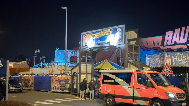 Auf dem Weihnachtsmarkt in Berlin-Lichtenberg ereignete sich ein tödlicher Unfall. (Foto)
