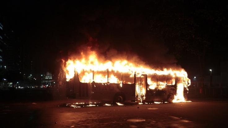 In Indien sind vier Kinder (3, 5) in einem Schulbus verbrannt. (Symbolbild)
