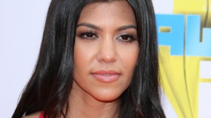 Kourtney Kardashian gibt sich sexy im Netz. (Foto)