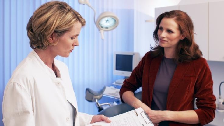 Frauen können die Pille bis zur Menopause einnehmen, so lange keine gesundheitlichen Probleme bestehen.