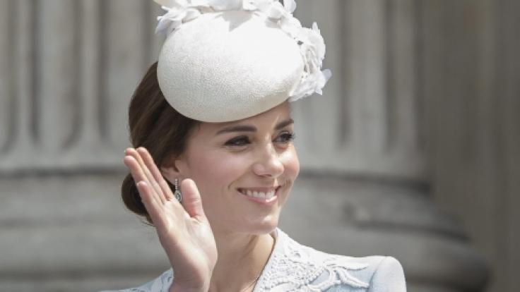 Ist Herzogin Kate zu altmodisch gekleidet?