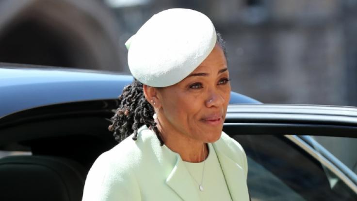 Doria Ragland ist seit der Hochzeit ihrer Tochter Meghan Markle offiziell die Schwiegermutter von Prinz Harry - doch hat die 62-Jährige damit automatisch einen Adelstitel?