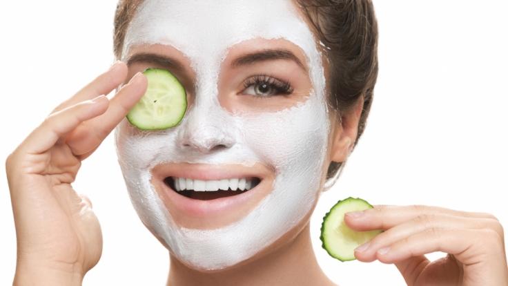 Schönheitsprogramm gefällig? Alle nötigen Zutaten für reichhaltige Kosmetik finden Sie zuhause - in Ihrem Küchenschrank! (Foto)