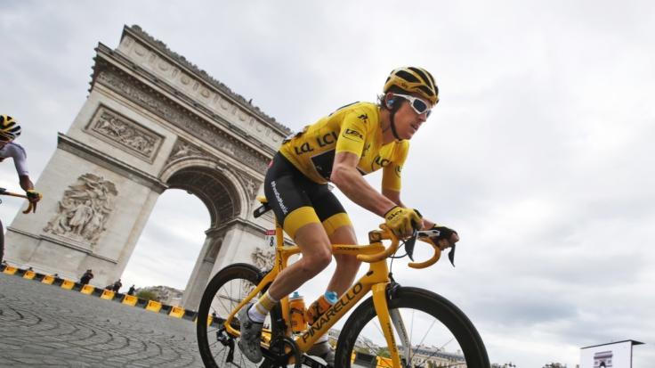Geraint Thomas krönt sich zum Tour-Champion.