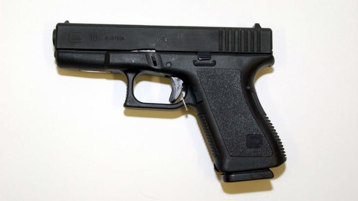 Eine Pistole vom Typo Glock 19, Kaliber 9 Millimeter Luger wurde wohl auch vom Hanau-Attentäter für seine Morde verwendet - legal im Internet gekauft. (Foto)