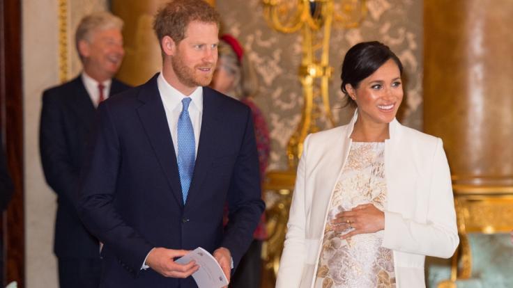 Meghan Markle und Prinz Harry sind bald zu dritt, wenn das erste Baby die junge Familie komplettiert.