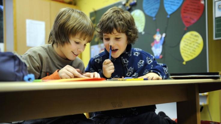 Klassenclowns können für alle Mitschüler eine große Belastung werden. (Foto)