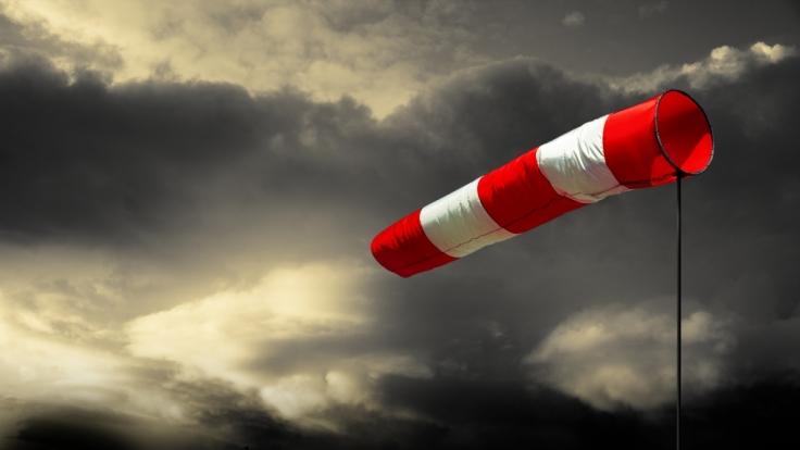 Der DWD warnt vor orkanartigen Böen in exponierten Höhenlagen. (Foto)