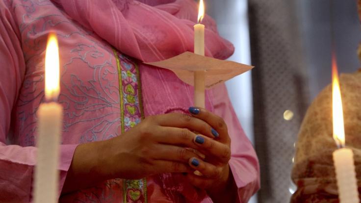 Bei einem Flugzeugabsturz unweit von Karatschi in Pakistan sind 97 Menschen ums Leben gekommen. (Foto)