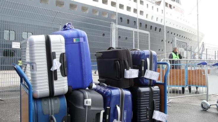 Das Gepäck lässt im Urlaub auf sich warten? In gewissen Fällen ist die Airline zu Schadensersatz verpflichtet.