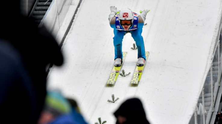 Der Norweger Daniel Tande holte sich am 04.01.2017 den Sieg in Innsbruck nach dem ersten Durchgang. (Foto)