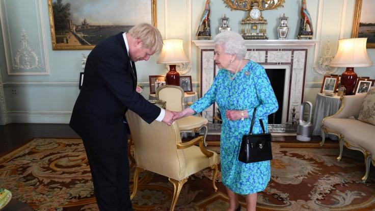 Premierminister Boris Johnson hat Queen Elizabeth II. um Unterstützung für seinen Brexit-Plan gebeten. (Foto)
