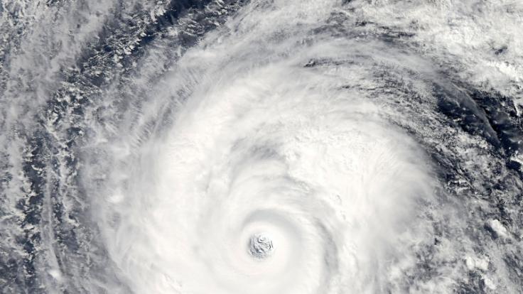 Ein Zyklon ist auf Australiens Küste gestoßen.