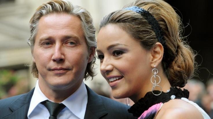 Schwer verliebt nach 20 Jahren Beziehung: Verona Pooth will ihren Ehemann Franjo nochmal heiraten. (Foto)