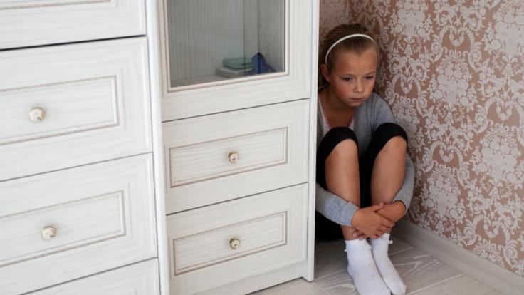 Ein zwölf Jahre altes Mädchen aus Australien ist von ihrem Stiefvater mehrfach mit Drogen betäubt und vergewaltigt worden (Symbolbild).