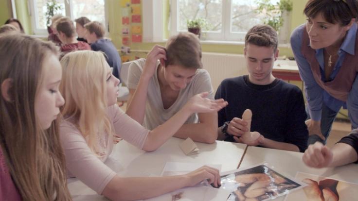 Die Sexologin Ann-Marlene Henning im Gespräch mit den Teenies.