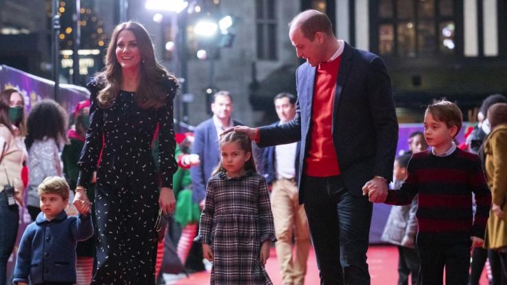 V.l.n.r.: Prinz Louis (2), Herzogin Catherine (39), Prinzessin Charlotte (5), Prinz William (38) und Prinz George (7).