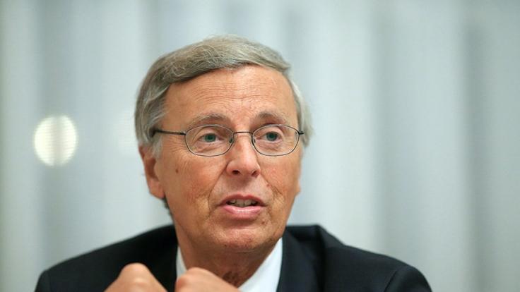 CDU-Politiker Wolfgang Bosbach leistete sich auf Mallorca einen peinlichen Fehltritt.