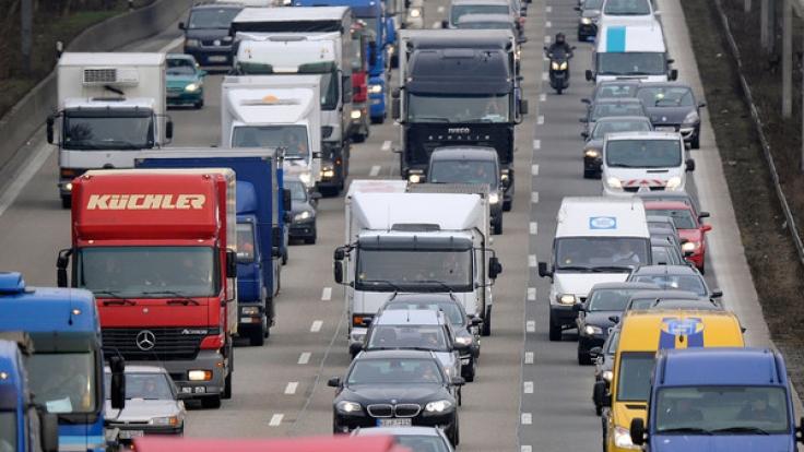 Autofahrer aufgepasst: Auch an den Weihnachtsfeiertagen kann es zu Staus kommen.