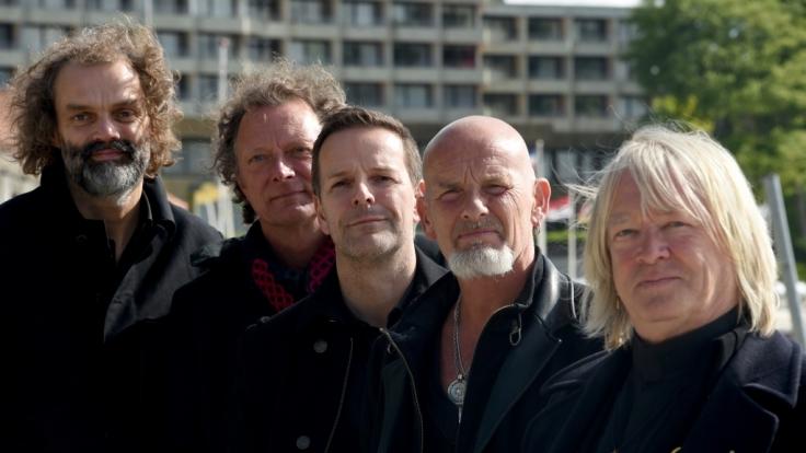"""Als """"Santiano"""" stürmen Hans-Timm Hinrichsen, Andreas Fahnert, Axel Stosberg, Björn Both und Pete Sage (v.l.n.r.) die Charts. (Foto)"""