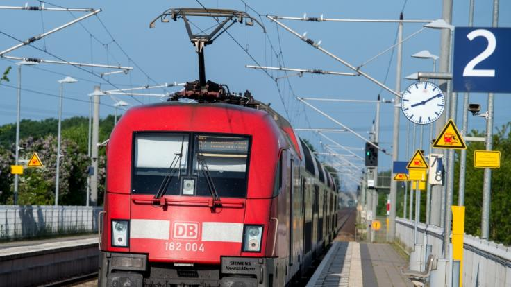 Bahnstreik 2021 News Aktuell Zugverkehr Rollt Wieder An Gdl Droht Schon Wieder Mit Streiks News De
