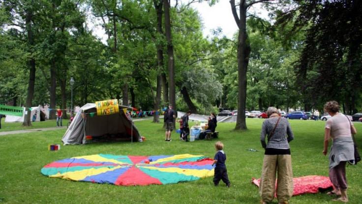 """Täglich besuchen zahlreiche Familien den """"Park der Opfer des Faschismus"""" in Chemnitz. Umso tragischer, dass sich gerade an so einem Familienort eine solche Tragödie ereignete. (Foto)"""