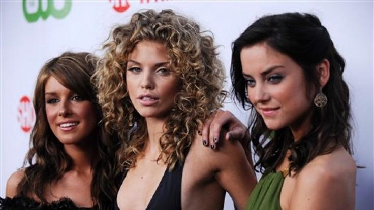 Die drei Hauptdarstellerinnen von «90210»: Shenae Grimmes, AnnaLynne McCord und Jessica Stroup (von links).