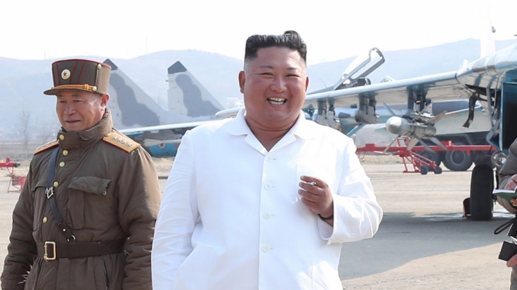 Nachdem tagelang wild über den Gesundheitszustand des nordkoreanischen Machthabers spekuliert wurde, ist Kim Jong-un wieder auf der Bildfläche erschienen. (Foto)