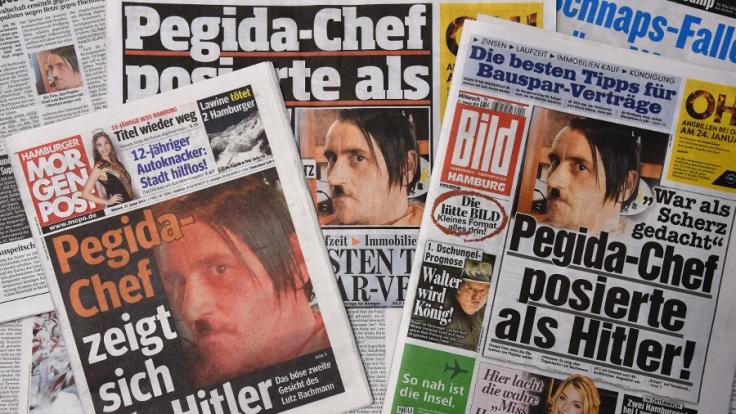 Dass Lutz Bachmann vor einem Jahr als Hitler poste und den Schnappschuss dann auch noch auf Facebook stellte, war nur der Anfang einer Reihe von Skandalen. (Foto)