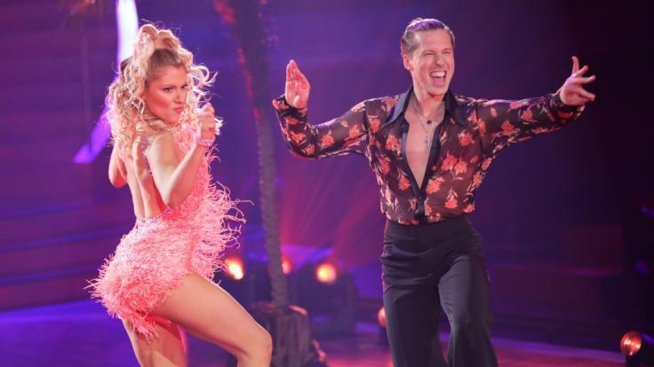 """Die Party kann beginnen! In der 5. Live-Show von """"Let's Dance"""" am 9. April 2021 steht alles unter dem Motto """"Sommerparty"""". (Foto)"""