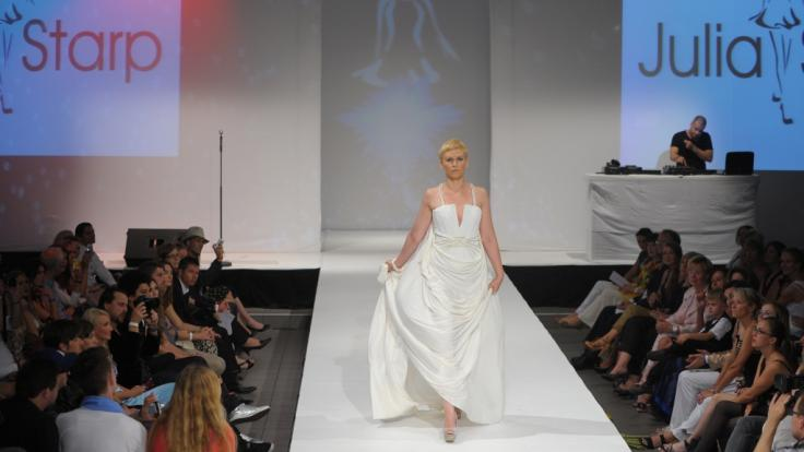 Karen Heinrichs auf der Fashion Week in Berlin (Foto)