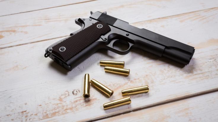 In den USA wurde eine Mutter von ihrem vierjährigen Sohn niedergeschossen (Symbolbild).