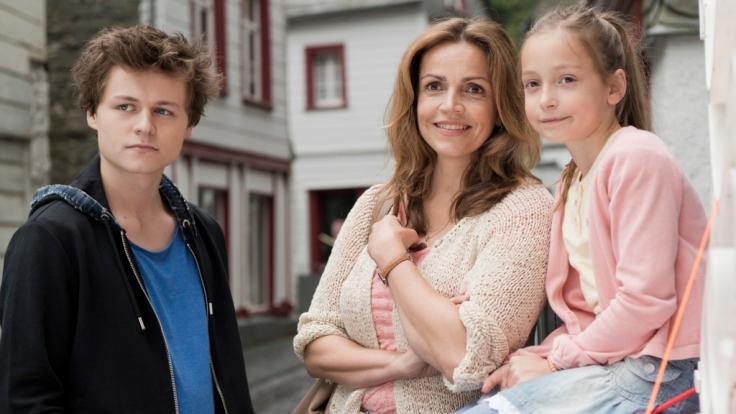 Weil Mutter Vera (Rebecca Immanuel) einen neuen Job hat, muss Familie Mundt umziehen. Ihre Kinder Mia und Paul sind zunächst wenig begeistert. (Foto)