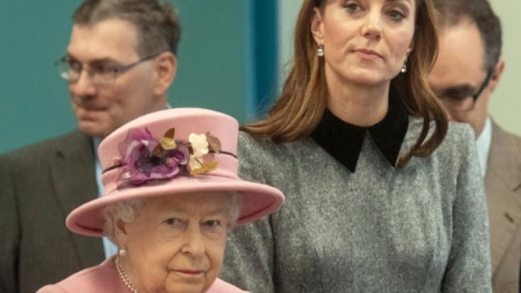 Queen Elizabeth II. soll lange an Kate Middleton gezweifelt haben.