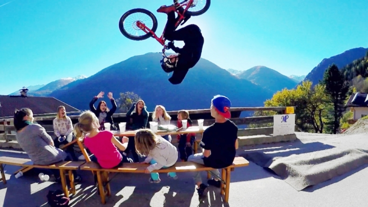 Wenn Fabio Wibmer auf ein Fahrrad steigt, ist Action garantiert.