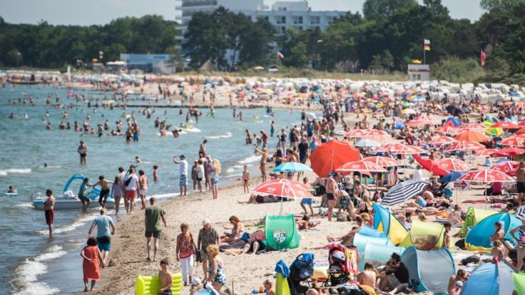 Während in Deutschland Karibik-Wetter herrscht, sollen Unwetter am Mittelmeer für Lebensgefahr sorgen.