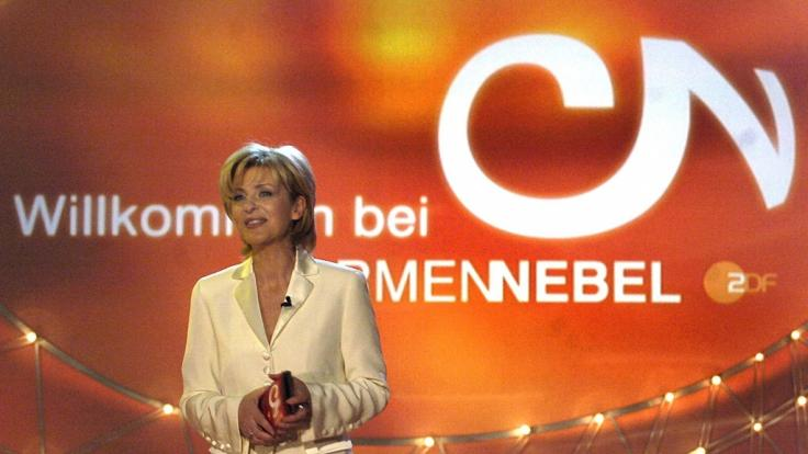 """Carmen Nebel bei der Generalprobe zur ersten Sendung """"Willkommen bei Carmen Nebel"""" im Jahr 2004. (Foto)"""