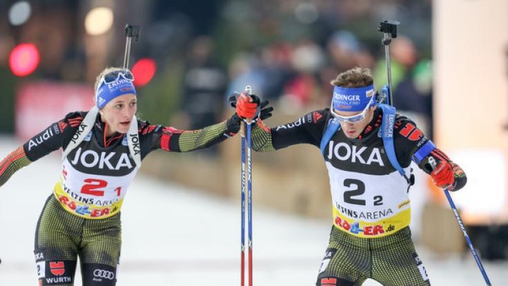 Vanessa Hinz und Simon Schempp bei der 15. Biathlon-World-Team-Challenge (WTC) in der Veltins-Arena in Gelsenkirchen. (Foto)