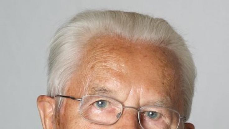 Karl Albrecht starb am 16.07.2014 in Essen.