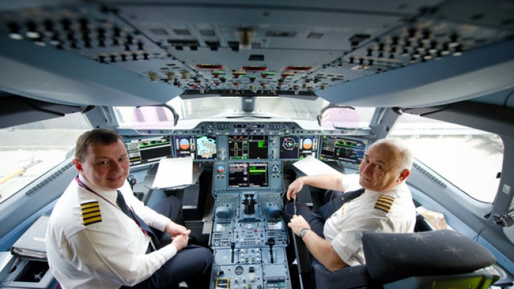 Vieles sagen die Fluggesellschaften ihren Passagieren nicht. Ein Pilot hat jetzt ausgepackt. (Symbolbild)