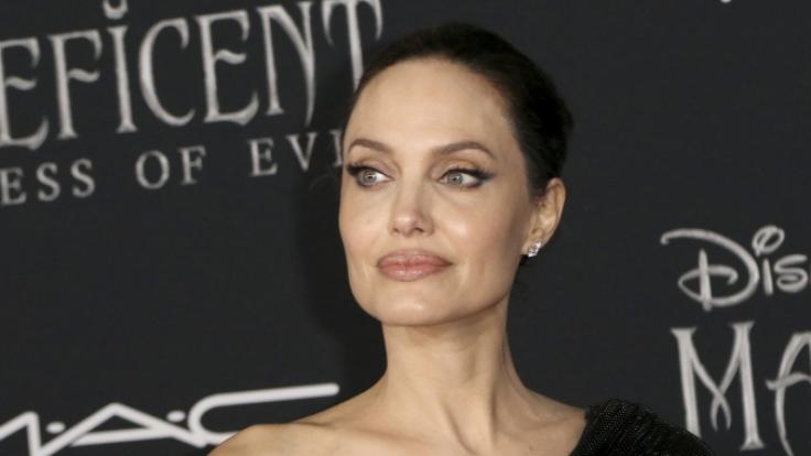 Lief bei Angelina Jolies Adoptionen alles legal ab? (Foto)