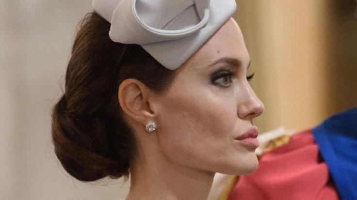 Angelina Jolie ist stinksauer über das vereintliche Liebes-Revival zwischen Brad Pitt und Jennifer Aniston. (Foto)