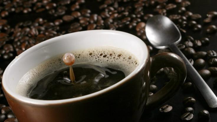 Kaffee ist für viele ein Muss - besonders natürlich gleich nach dem Aufstehen. (Foto)
