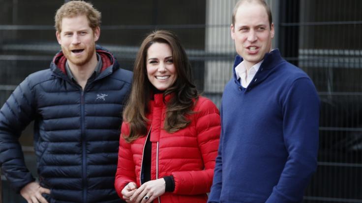 Ein Herz und eine Seele: Als Prinz Harry, Kate Middleton und Prinz William Anfang 2017 den Queen Elizabeth Olympic Park in London besuchten, war vom Megxit noch nichts zu spüren. (Foto)