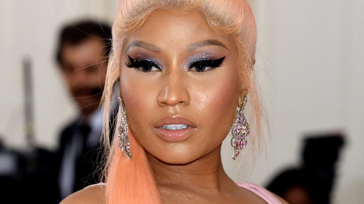 Nicki Minaj zieht bei Instagram blank. (Foto)