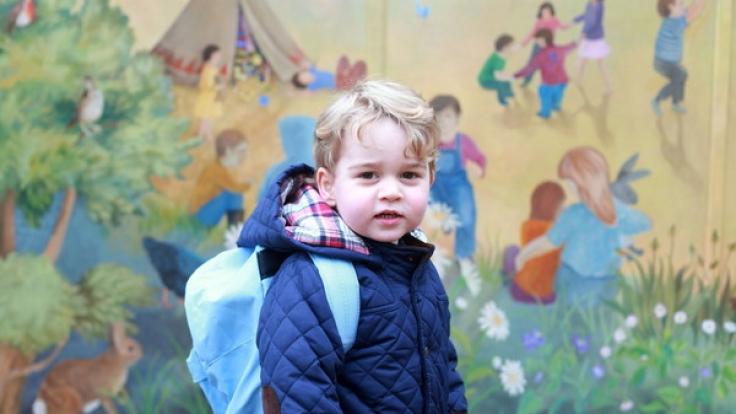 """Prinz George, der Erstgeborene von Kate Middleton und Prinz William, besucht ab Herbst 2017 die Vorschule """"Thomas's School"""" im Londoner Stadtteil Battersea. (Foto)"""