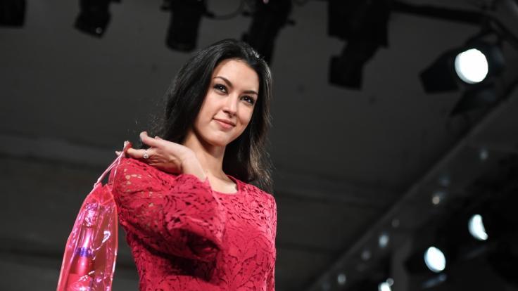 Rebecca Mir begeisterte beim GNTM-Finale mit ihrem heißen Bühnenoutfit. (Foto)