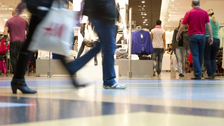 Sieben Tage die Woche nach Herzenslust shoppen? Der Handelsverband Deutschland begrüßt verkaufsoffene Sonntage nach der Corona-Pandemie ausdrücklich. (Foto)